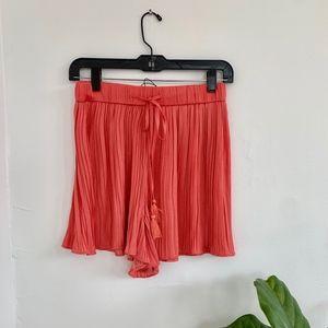 Zara Pleated Shorts Size Small